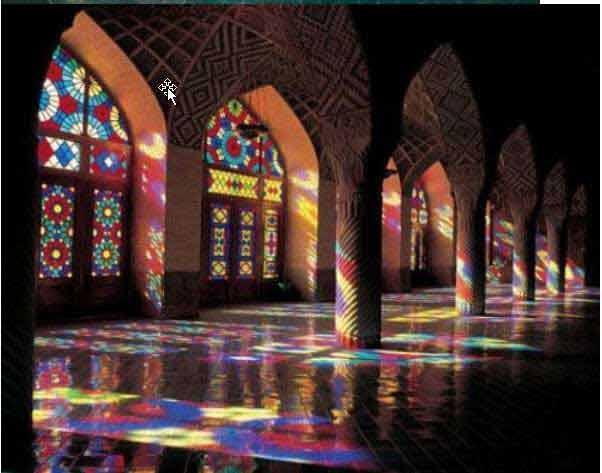 مسجد نصیر الملک شیراز ؛ترکیب معماری و رنگ