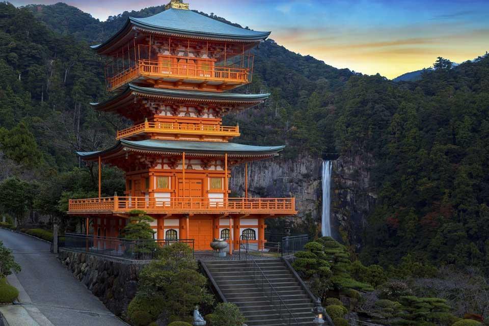 سفر به ژاپن با طاهاگشت