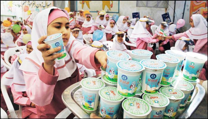 توزیع 11 میلیون پاکت شیر در مدارس استان کرمان