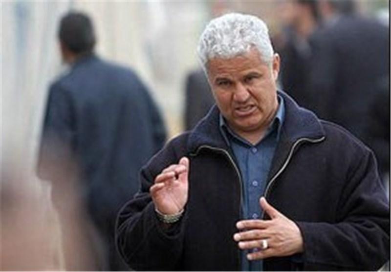 حضور یک پرسپولیسی در ساختمان دفتر فتح الله زاده