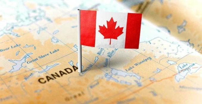 شکست آمریکا در سیاست های مهاجرتی به بُرد کانادا یاری می نماید