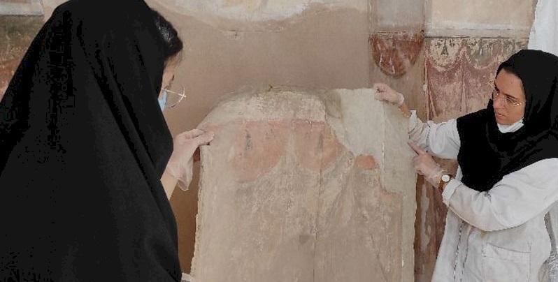شروع عملیات مستندنگاری، حفاظت و بازسازی بیش از 40 قطعه تزئینات کاخ عالی قاپو