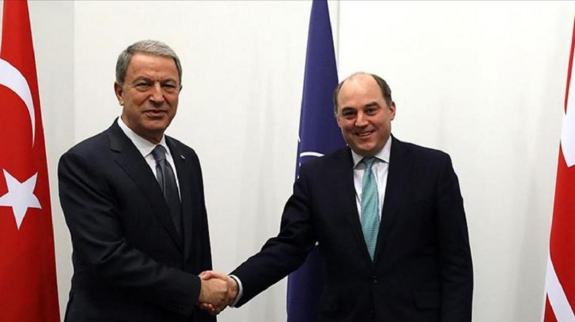 گفت وگوی تلفنی وزیران دفاع ترکیه و انگلیس