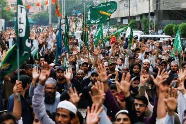 پاکستانی ها خواستار تحریم کالاهای فرانسوی شدند