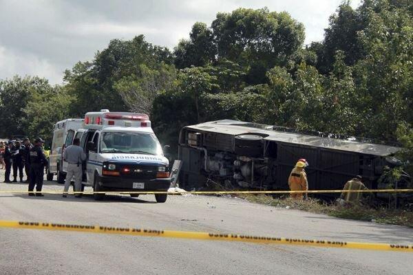 واژگونی خودرو نظامیان در مکزیک با 2 کشته و 20 مجروح